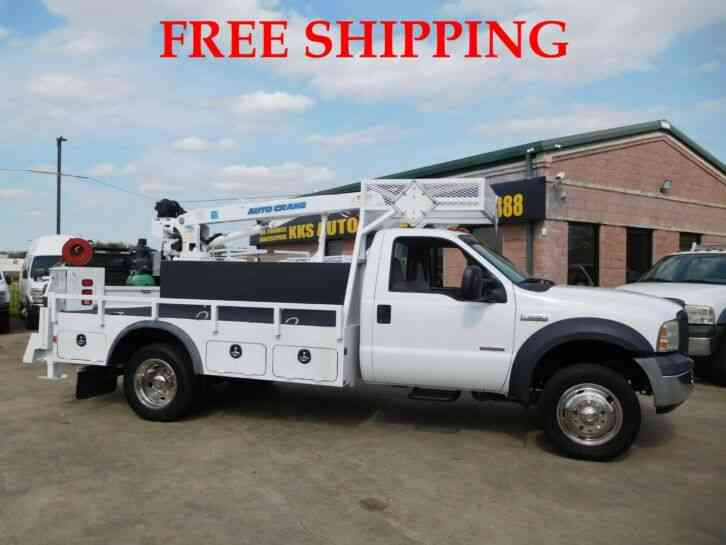 FORD F-550 SUPER DUTY FLATBED TRUCK WITH UTILITY BOX AND 5K LB AUTO CRANE 6. 0L DIESEL (2007)