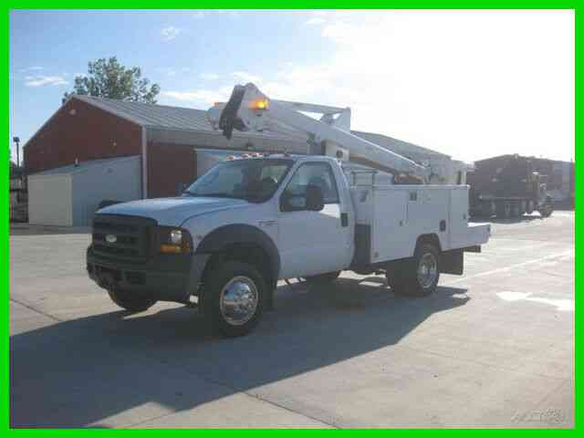 FORD F550 6. 8L GAS AUTO AC WITH 40' REACH 'ETI' BUCKET/BOOM (2007)