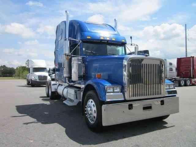 Freightliner Classic Fld 132  2007    Sleeper Semi Trucks
