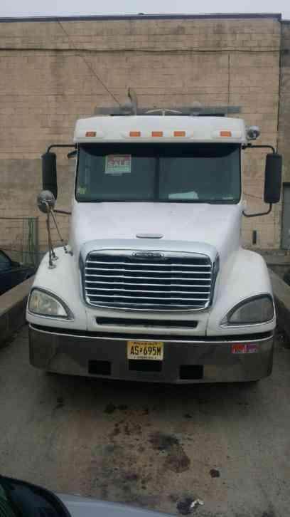 Freightliner 2007 sleeper semi trucks for Secaucus motor vehicle inspection