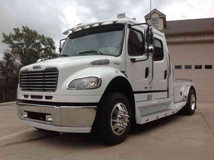 Freightliner M2-106 SPORTS CHASSIS (2007)