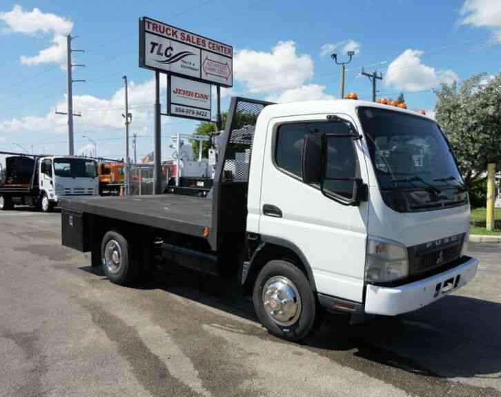 Fuso FE140 12FT FLATBED LOW MILES  (2007)