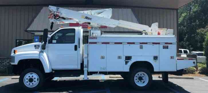 GMC C5500 4x4 Altec AT37G Bucket Truck (2007)