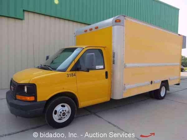 GMC Savana 2007 Van Box Trucks