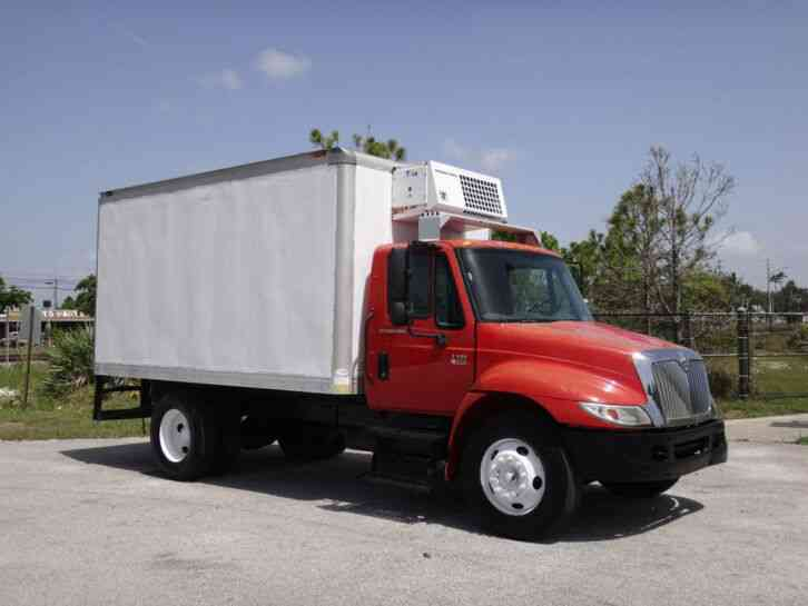International 4300 DT466 Reefer Box Truck (2007)
