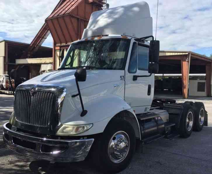 International 8600 2007 Daycab Semi Trucks