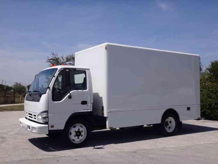 Isuzu NPR Box Truck (2007)