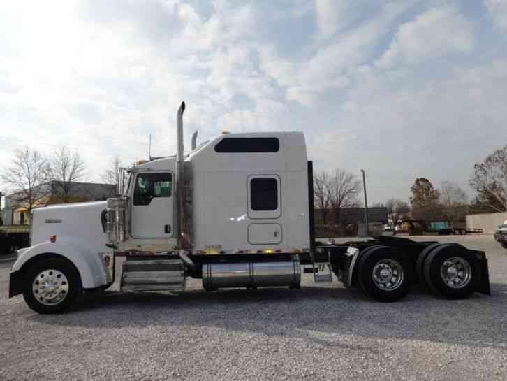 Kenworth W900l 2007 Sleeper Semi Trucks