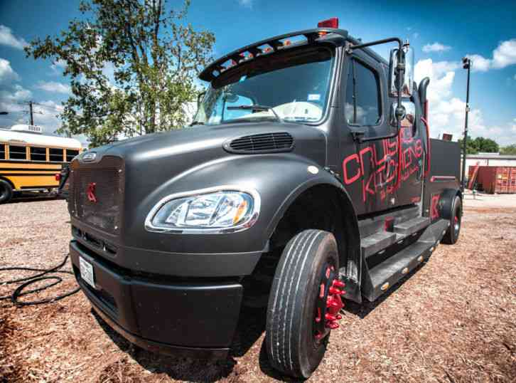 Freightliner M2 Sport Chassis 2007 Daycab Semi Trucks