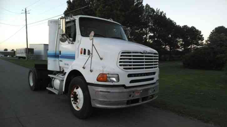 Sterling A9500 Single Axle Day Cab Detroit 12. 7L 450hp 6 Speed (2007)