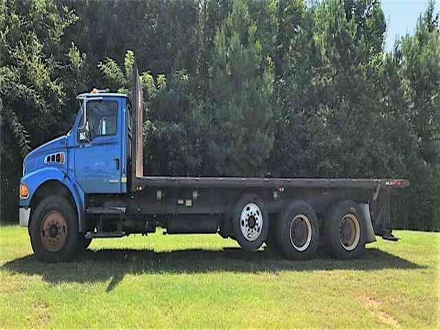 Sterling ACTERRA FLATBED W/MOFFET -- (2007)
