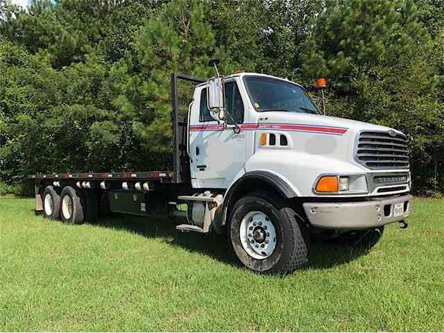 Sterling LT9513 FLATBED -- (2007)