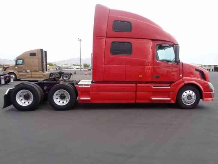 Volvo 780 (2007) : Sleeper Semi Trucks