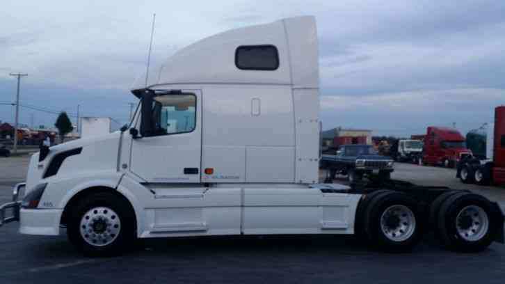 Volvo Vnl 670 2007 Sleeper Semi Trucks