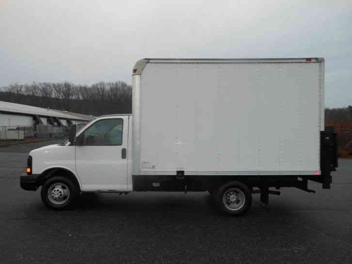 Chevrolet Express Cutaway 2008 Van Box Trucks