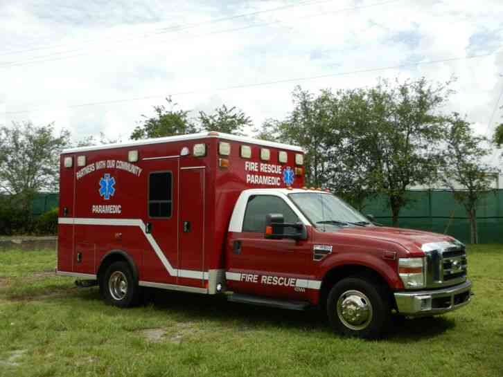 Ford F350 Super Duty Ambulance (2008)