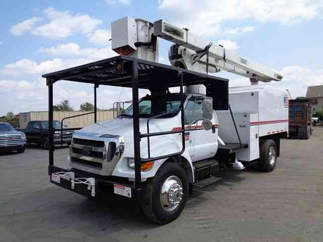 FORD F750 BUCKET BOOM CHIPPER DUMP TRUCK (2008)