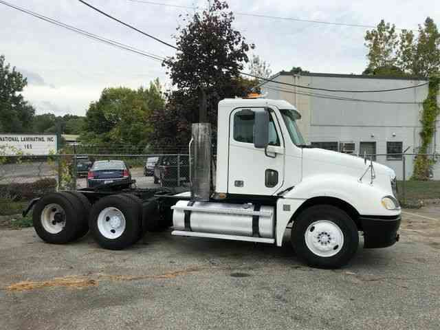 FREIGHTLINER Columbia 120  CL120ST (2008)