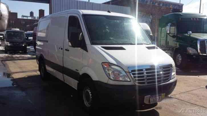 Freightliner Sprinter 2500 Hc 144 2008 Van Box Trucks