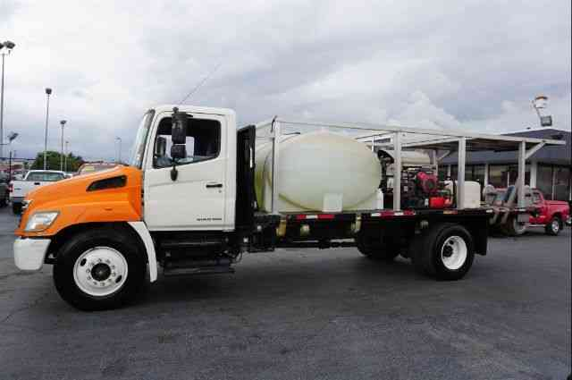 Hino 268 Mobile Truck Power Washer 2008 Flatbeds