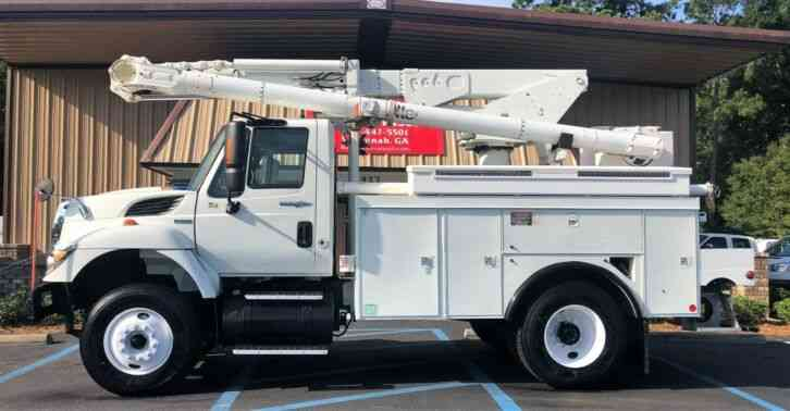 International 7300 Altec L42A Bucket (2008)