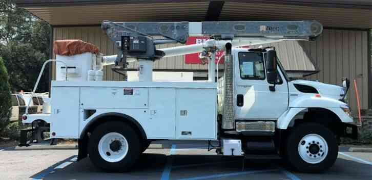 International 7300 WorkStar Altec L42A Bucket (2008)