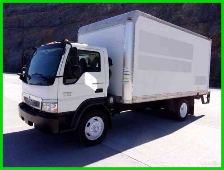 International CF 500 Cabover 16ft Box Truck w/ Liftgate (2008)
