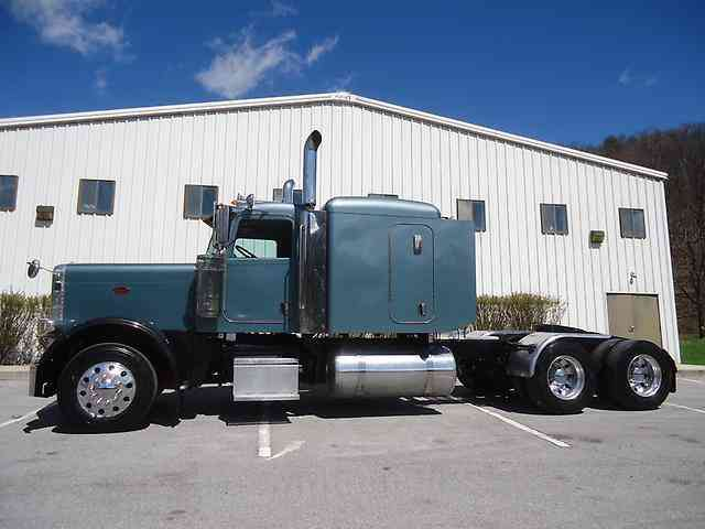 Peterbilt 388 2008 Sleeper Semi Trucks
