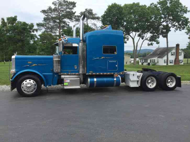 Peterbilt 389 2008 Sleeper Semi Trucks