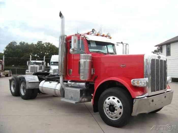Peterbilt 389 2008 Daycab Semi Trucks