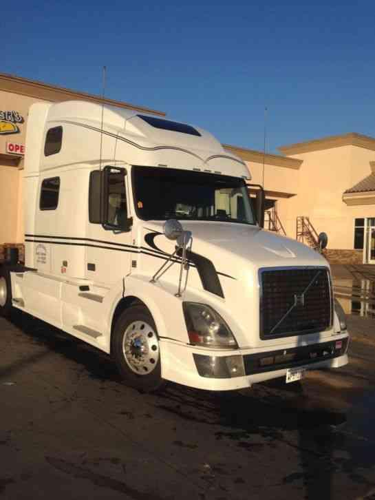Array - volvo vnl 780  2008    sleeper semi trucks  rh   jingletruck com