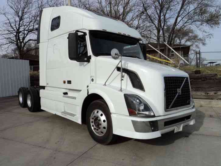 Volvo Volvo (2008) : Sleeper Semi Trucks