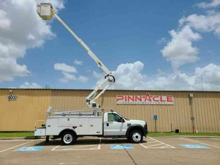 Ford F-550 ALTEC AT37G DIESEL BUCKET TRUCK (2009)