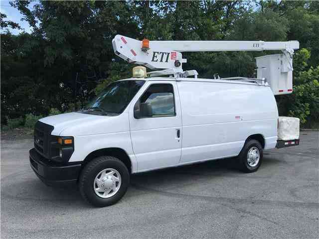 Ford E350 35ft BUCKET TRUCK Commercial Econoline Cargo (2009)