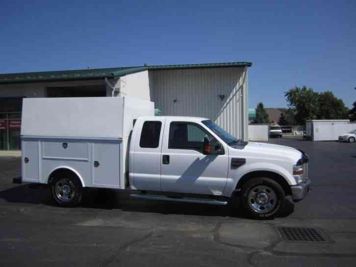 Ford F350 Extended Cab with Utility Bed (2009) : Utility / Service Trucks