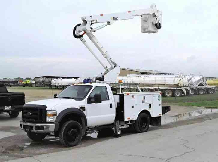 Ford F-550 4X4 42FT ALTEC (2009)