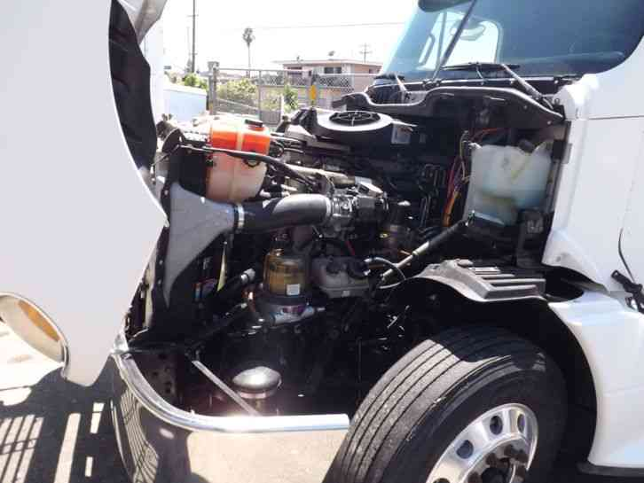 2009 Freightliner Columbia With 76609 on tripac thermo king fuel filter