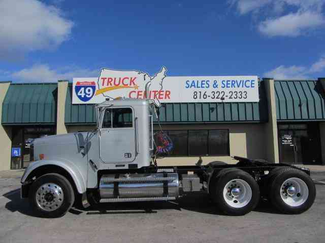 Freightliner Classic FLD120 -- (2009)