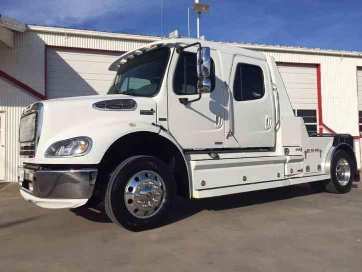 Freightliner 2009 Medium Trucks