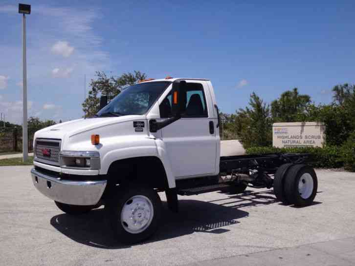 GMC Topkick C4500 4x4 Cab Chassis (2009) : Medium Trucks