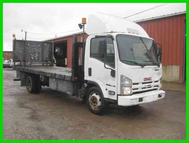 GMC W4500 6. 0L V8 GAS AUTO WITH 18 FOOT FLATBED (2009)