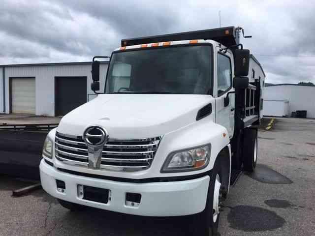 Hino 338 2009 Van Box Trucks