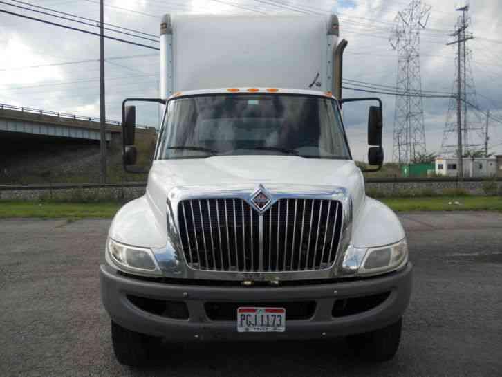 International 4300 Durastar 2009 Van Box Trucks