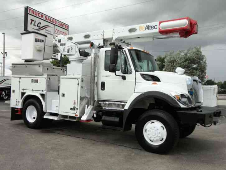 International 7400 4X4. ALTEC L42 BUCKET TRUCK. . 50FT MAX REACH (2009)
