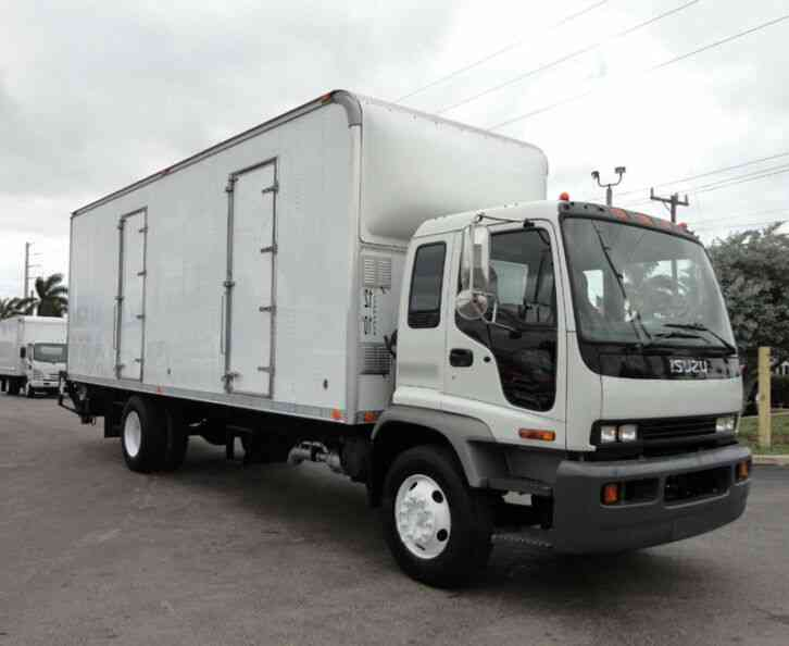 Isuzu FVR 26FT DRY BOX TRUCK . CARGO TRUCK WITH LIFTGATE 259 (2009)