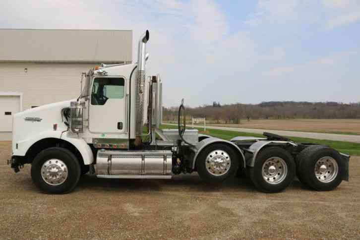 Kenworth T800 (2009) : Daycab Semi Trucks