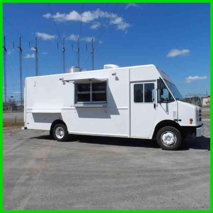 Chevrolet Express 3500 12 Pass Van 2011 Van Box Trucks