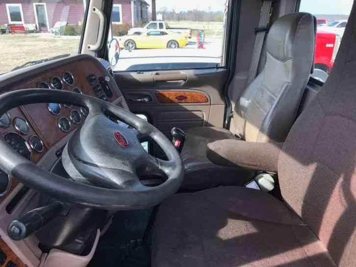 Peterbilt 388  2009    Daycab Semi Trucks