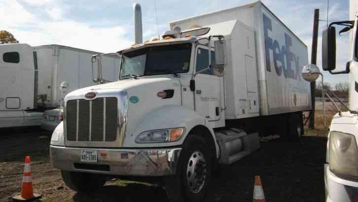 Peterbilt 335 (2009) : Sleeper Semi Trucks