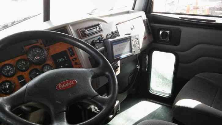 Peterbilt 335 2009 Sleeper Semi Trucks